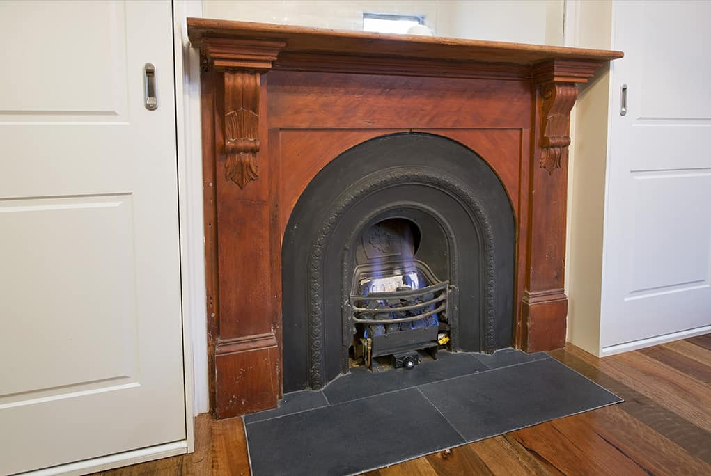 Authentic Fireplace Victoria Builder